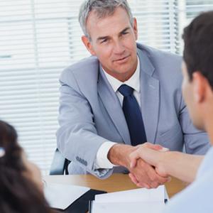 5 entscheidene Fragen, die Sie sich über Ihren Immobilienmakler stellen sollten