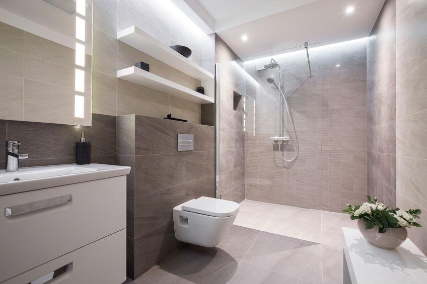 Ideen zum Kosten sparen bei Badsanierung im Mehrfamilienhaus